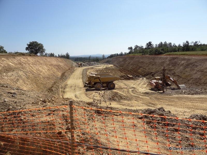 Autobahnbaustelle bei Calzada