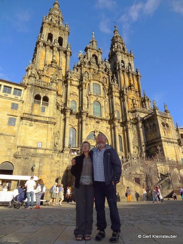 Andrea und ich vor der Kathedrale