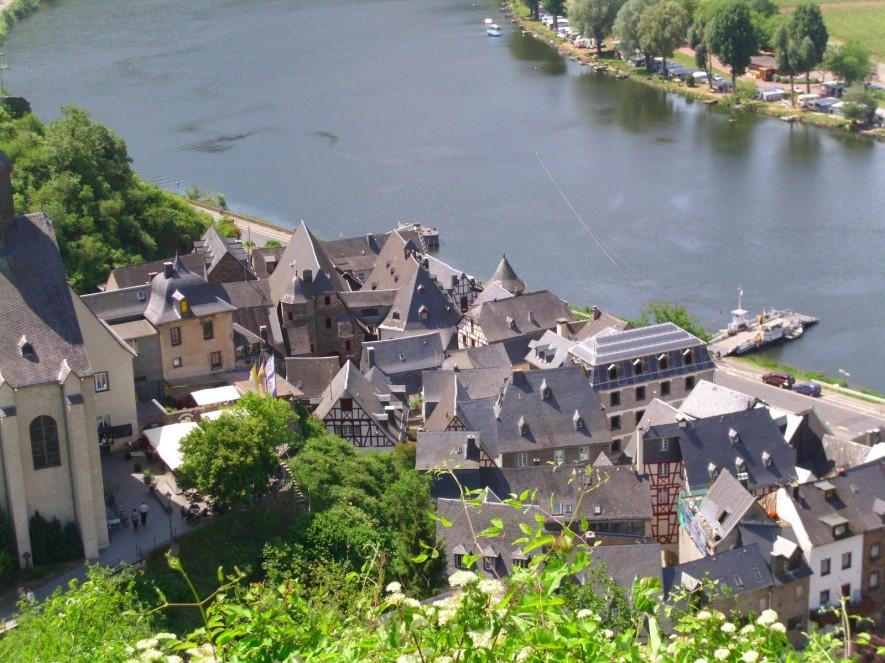 Blick auf Beilstein. Das Örtchen gehört zum Landkreis Cochem - Zell und hat 147 (!!) Einwohner.