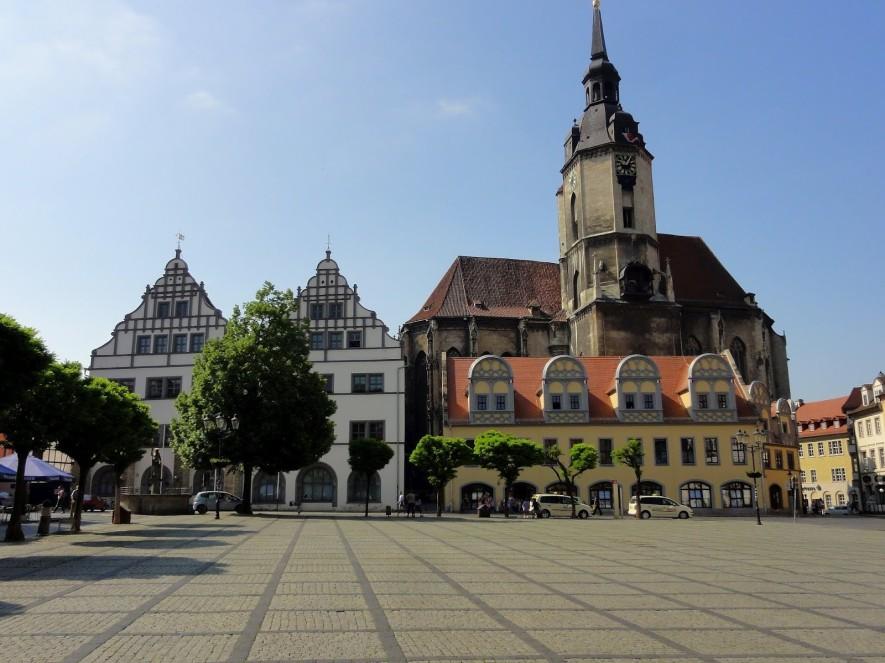 Marktplatz mit Stadtkirche St. Wenzel