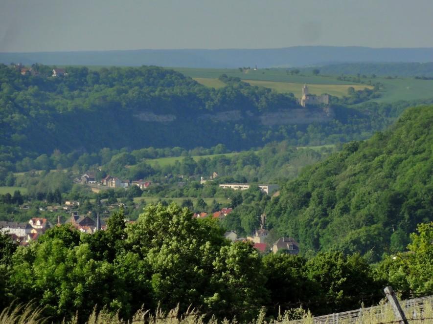 Blick vom Göttersitz nach Bad Kösen und zur Rudelsburg
