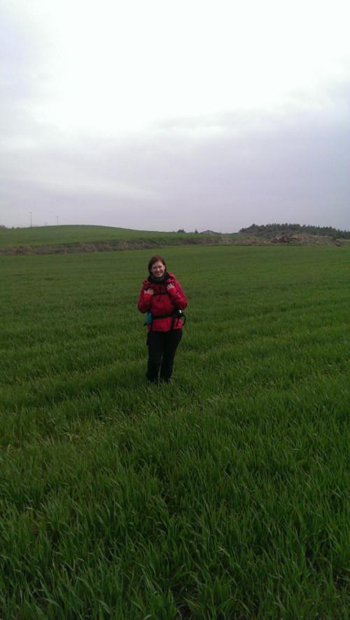 beim Abkürzen durchs Feld