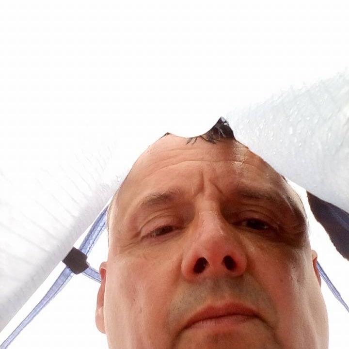 Frank Hoppe June 16 · Nachdem ich meinen Billigponcho am ersten Tag Starkregen in die Tonne gekloppt habe, kämpfe ich mich mit der oberen Plane, meines Zeltes durch das Dreckswetter. www.wandern-in-und-um-wuppertal.de